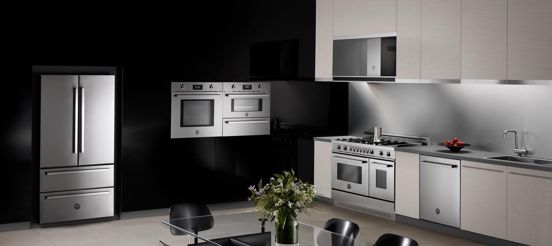 Refrigerador de piso e de embutir Bertazzoni PRO REF90.